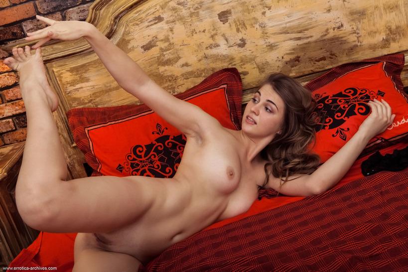 Смотреть секс молдавский, красивые девушки мастурбируют вдвоем