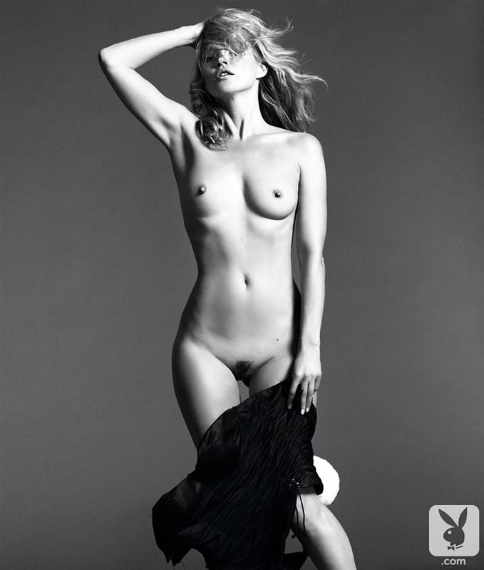 erotika-golenkie-supermodeli
